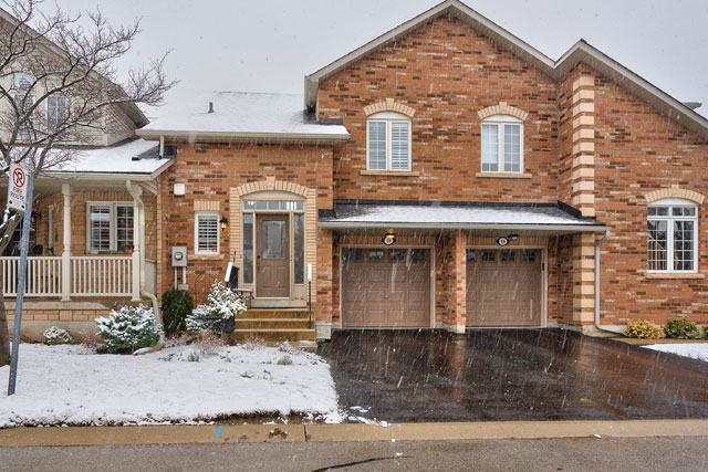 Bungaloft Townhome for Sale in Central Oakville at 18-223 Rebecca Street, Oakville