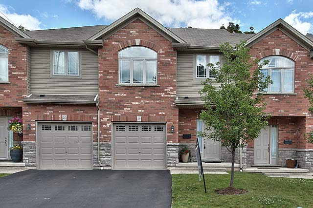 19-218 Plains Road East, Burlington - townhome for sale in Aldershot Village