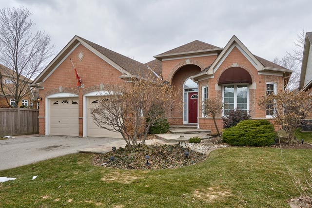 2120 Turnberry Road, Burlington