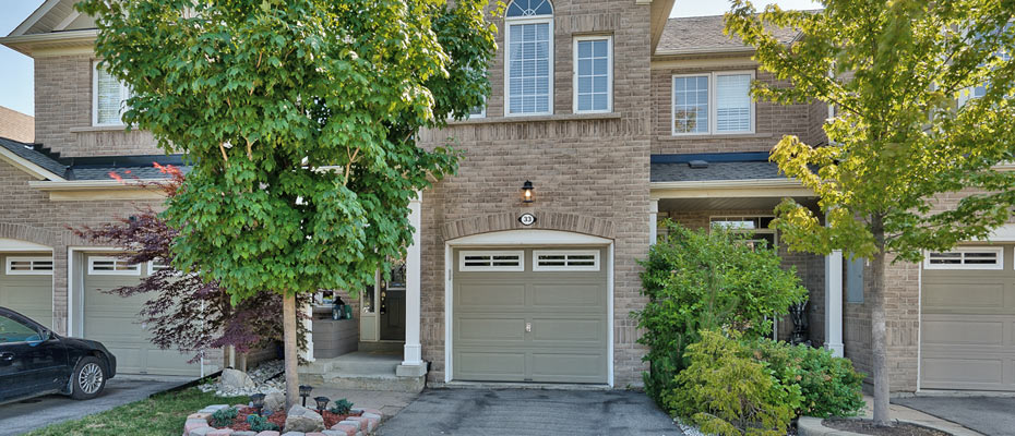33-2295 Rochester Circle, Oakville - Three Bedroom Executive Townhome For Sale In Bronte Creek