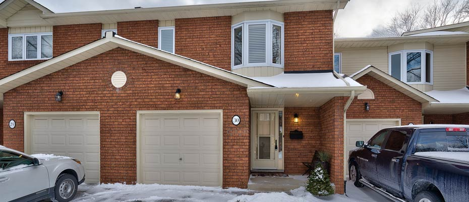 30-3115 New Street - Two Bedroom Condo Townhome For Sale in Rosedale, Burlington