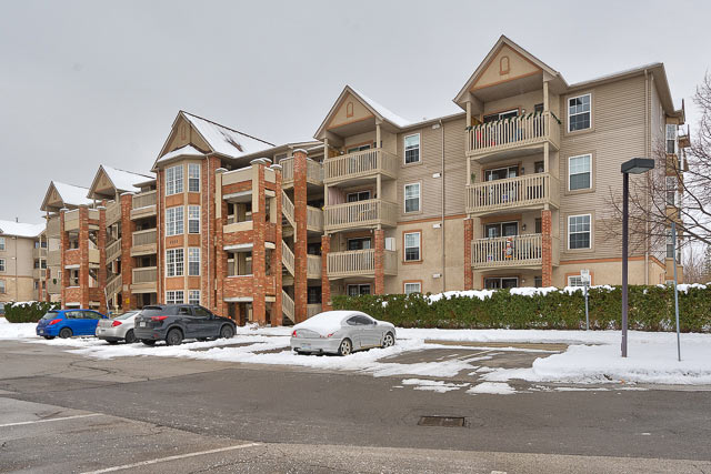 407-4003 Kilmer Drive, Burlington - One Bedroom Plus Den Condo For Sale in Tansley Woods