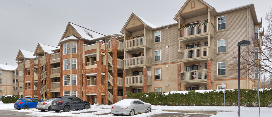 407-4003 Kilmer Drive, Burlington - One Bedroom Plus Den Condo For Sale in Tansley Gardens