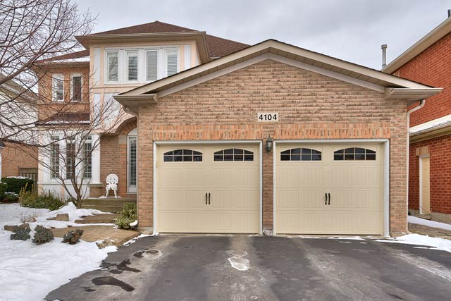 4104 Montrose Crescent, Burlington - Four Bedroom Home For Sale in Millcroft