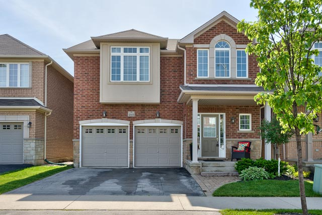 4668 Leanna Heights Road, Burlington