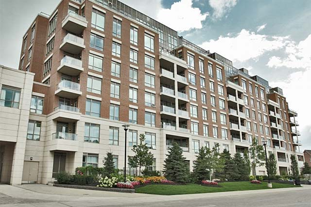 714-2480 Prince Michael Drive, Oakvlle, One Bedroom Plus Den Condo For Rent In The Emporium
